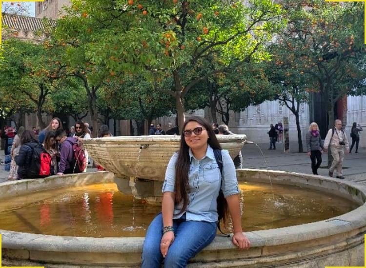 nizhoni-tallas-by-water-fountain